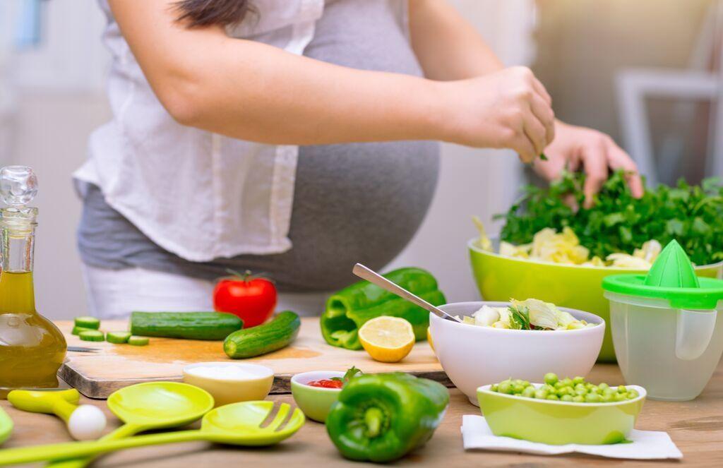 ¿Ansiedad por alimentos procesados o alimentación correcta en el embarazo?